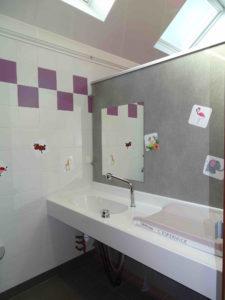 Equipement services - blocs sanitaires - cabine famille - camping esperance 4 etoiles - Cotentin - Normandie