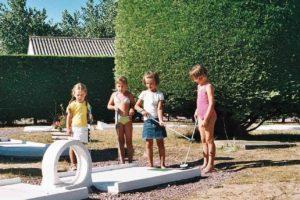 activite camping - equipements - mini golf - activite famille - camping esperance 4 etoiles avec espace aquatique - cotentin - normandie