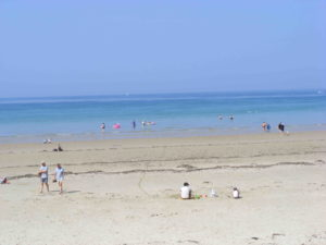 activite hors camping - sorties avec enfants plage - camping esperance 4 etoiles avec espace aquatique - cotentin - normandie