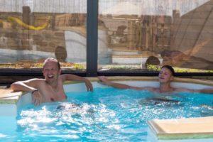 piscine-couverte-espace-aquatique-camping-esperance-cote-des-isles-normandie